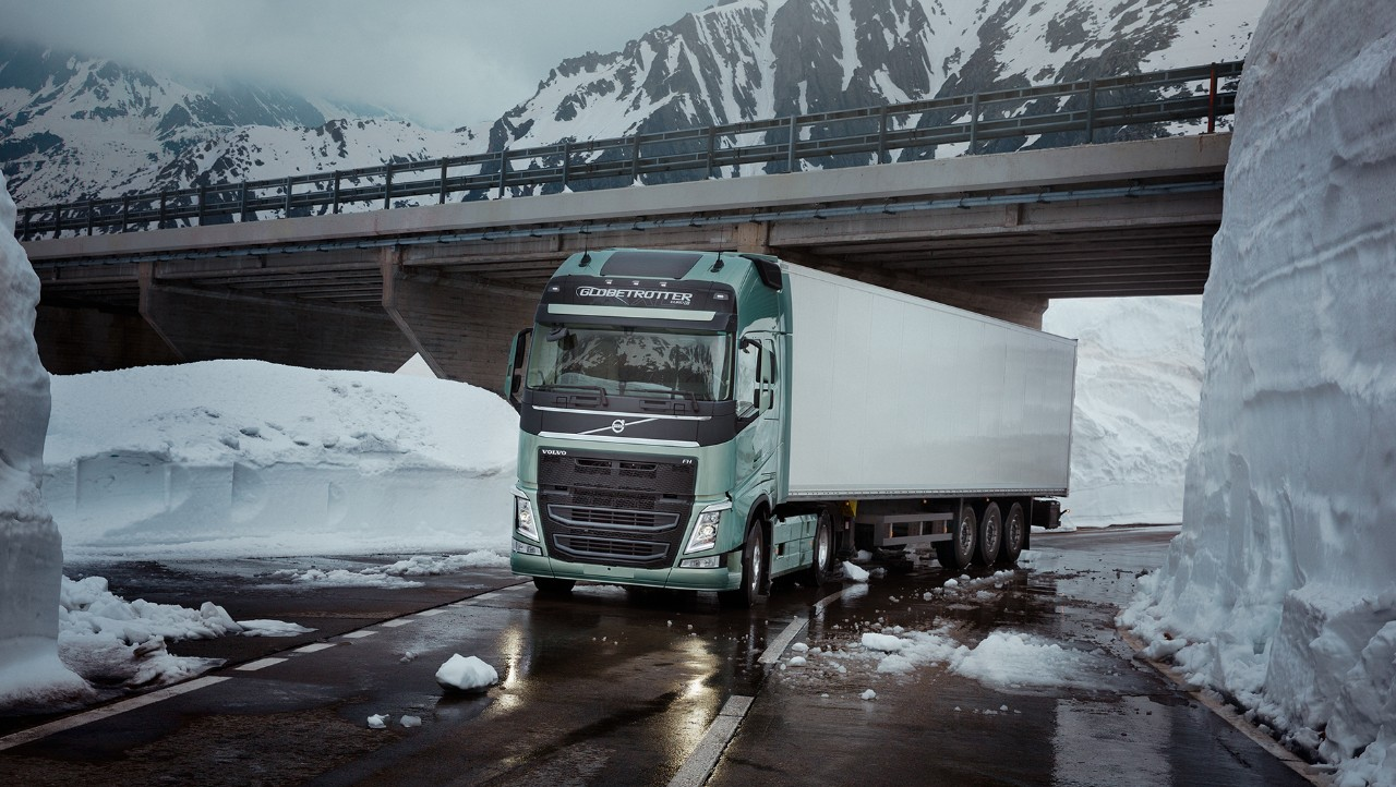 Volvo FH insurance icy road